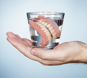 Removable Dentures in Water
